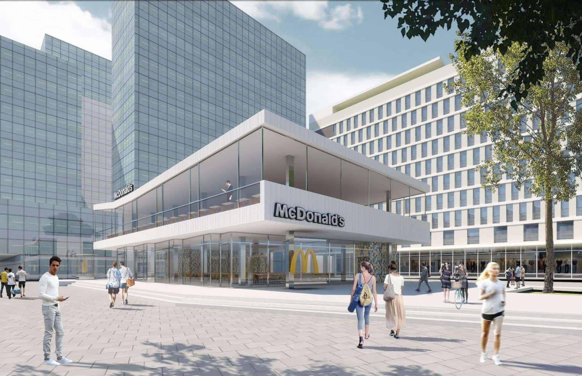 Макдональдс в центре Варшавы