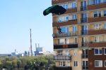 Два парашютиста прыгнули с 20-ого этажа