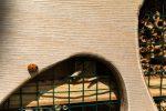 В Варшаве появились очередные отели для насекомых. В этот раз дизайнерские домики расположились во Влохах, рядом с цветочными полянами.